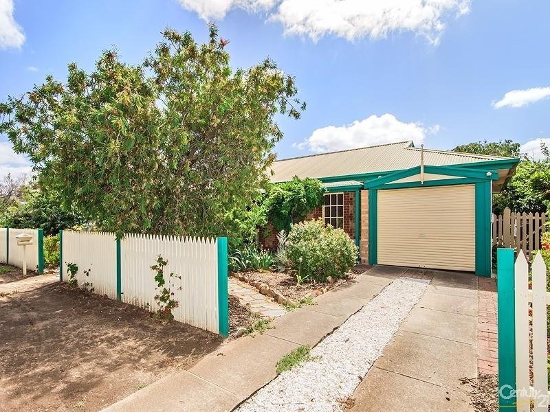 4 Falcon Street, Port Willunga, SA 5173