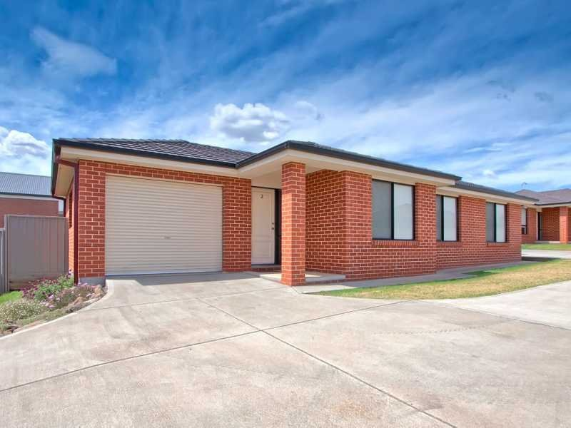 2/26 Dove Street, Mount Austin, NSW 2650