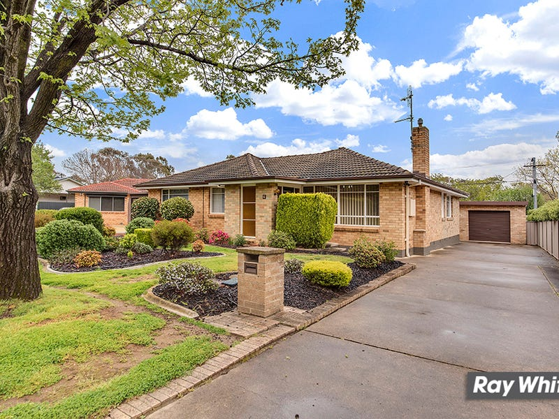4 Rooth Place, Watson, ACT 2602
