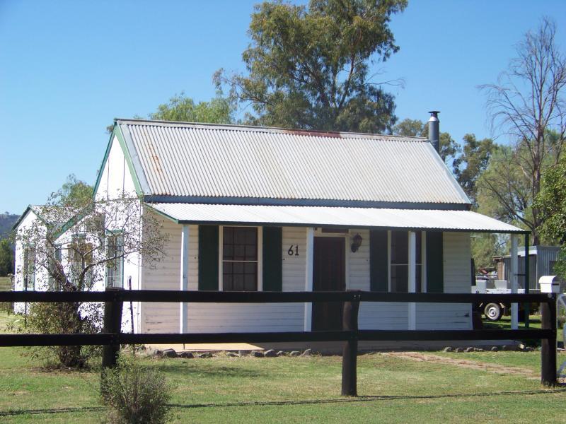 61 Allnutt Street, Quirindi, NSW 2343