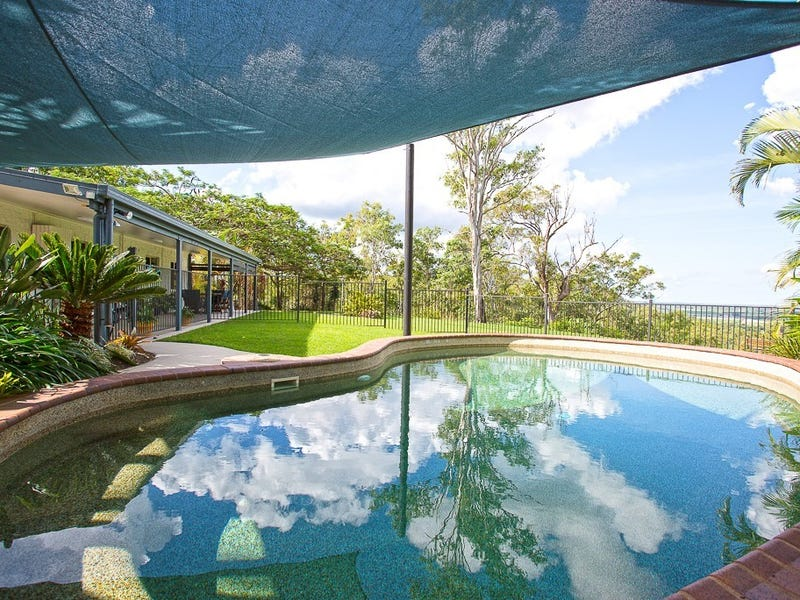 3 Bathorn Drive, Devereux Creek, Qld 4753