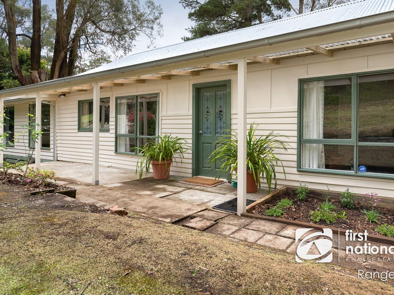 11 Edmunds Road, Cockatoo, Vic 3781