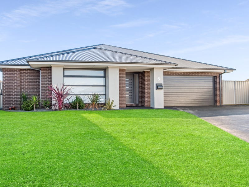 5 Ferrier Court, Thurgoona, NSW 2640