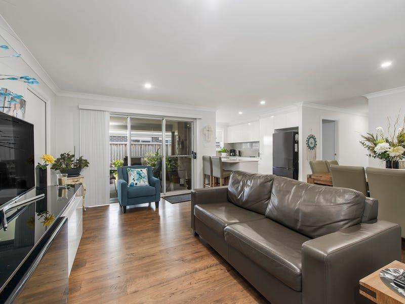 12 Carmac Avenue, Port Macquarie, NSW 2444