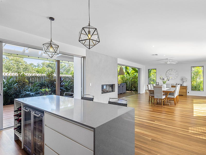 10 Sundown Court, Sunrise Beach, Qld 4567