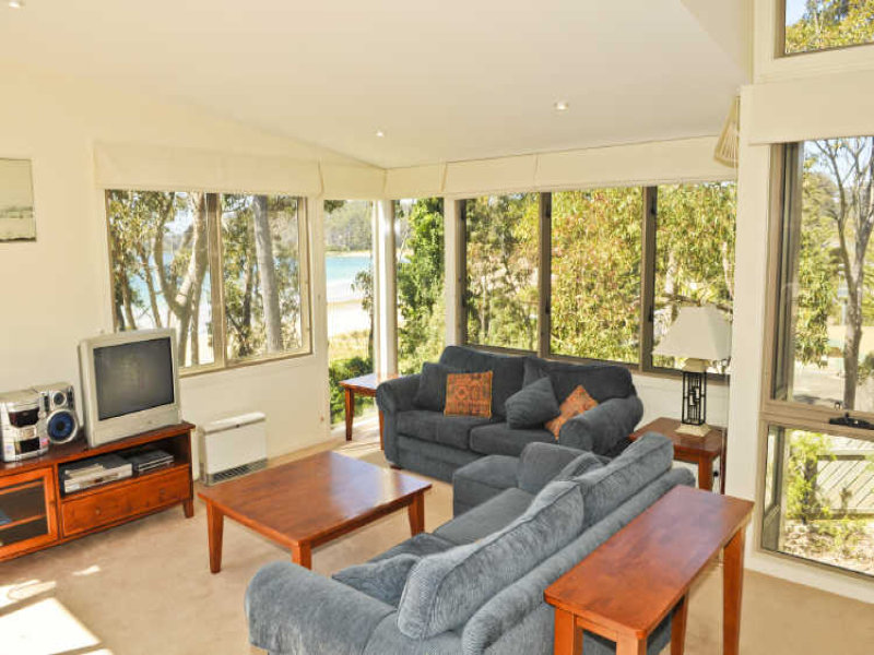 17a White Sands Place, Surf Beach, NSW 2536