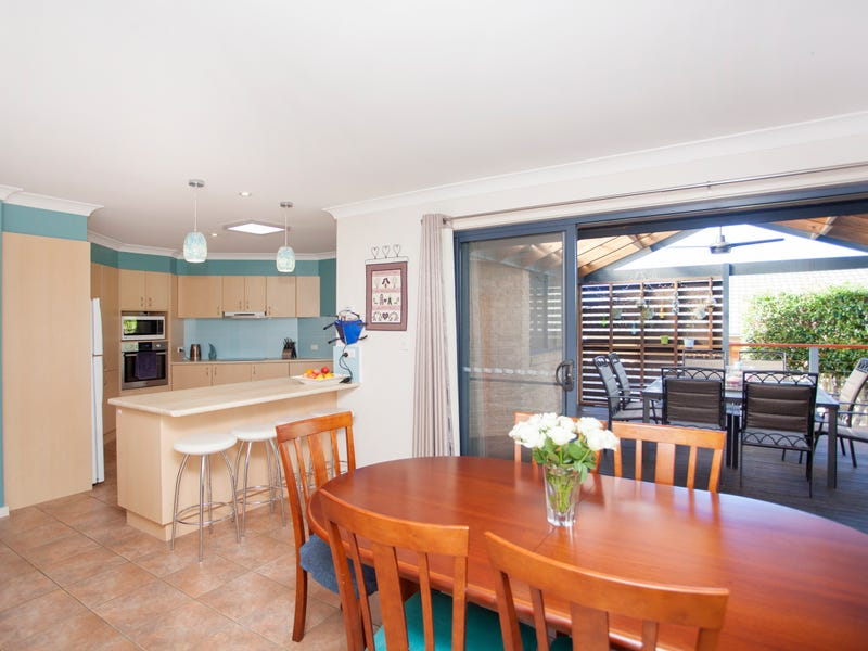 8 Mistral Place, Old Bar, NSW 2430
