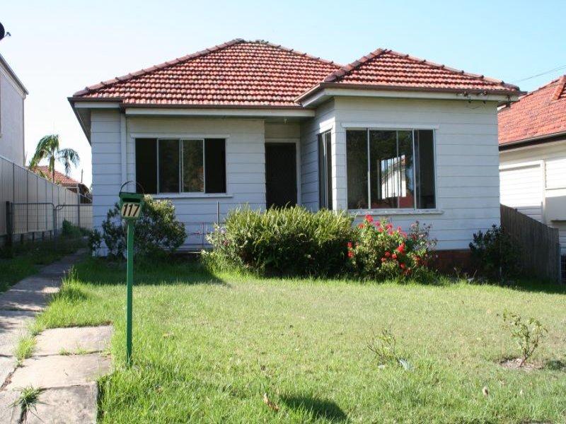 117 Moorefields Road, Roselands, NSW 2196