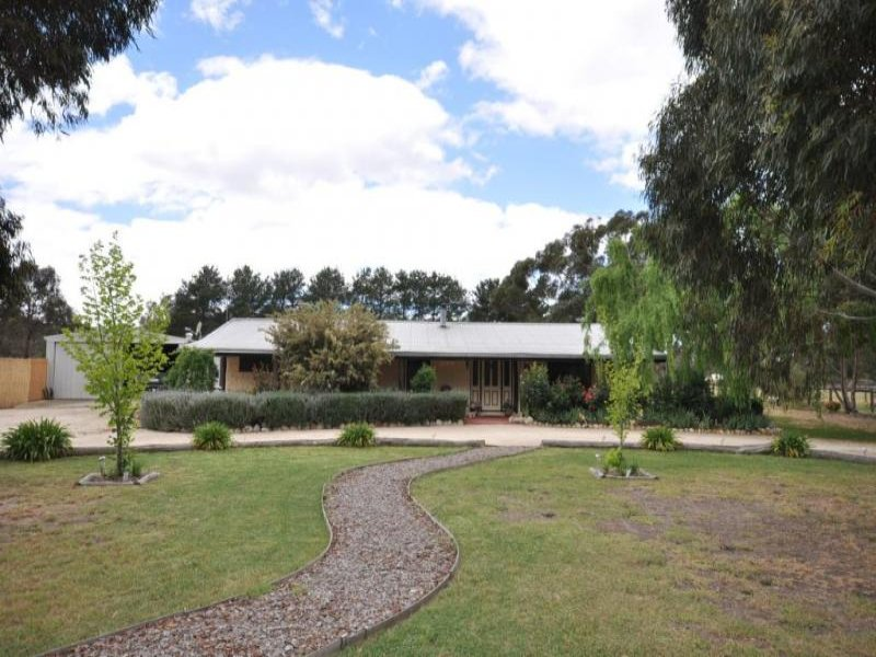 219 Dehnerts Road, Daisy Hill, Vic 3465