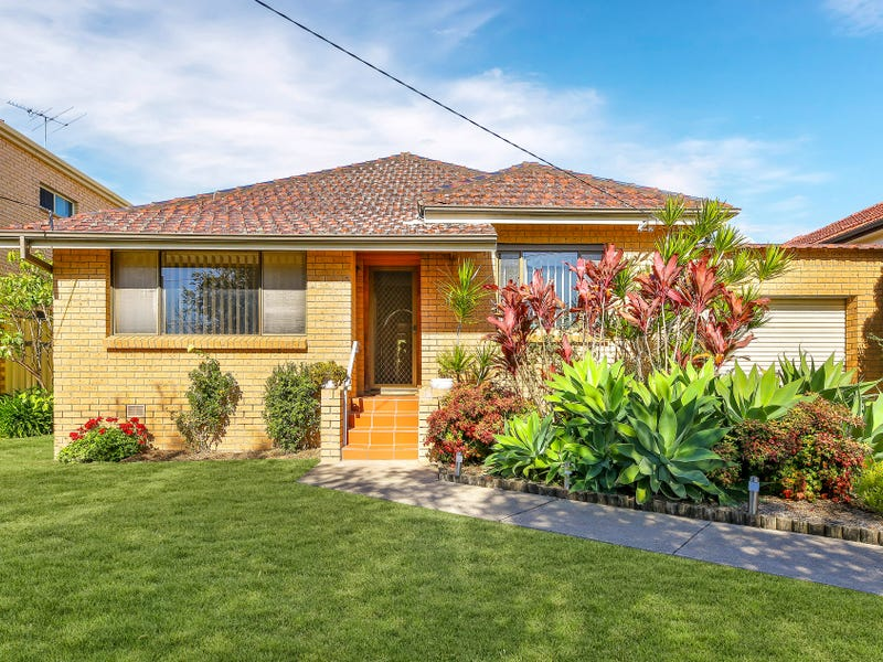 242 Wangee Road, Greenacre, NSW 2190