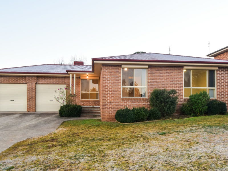 22 Tadross Avenue, Young, NSW 2594