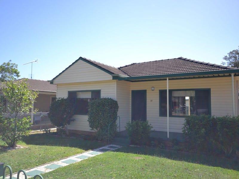 37 Trafalgar Ave, Woy Woy, NSW 2256