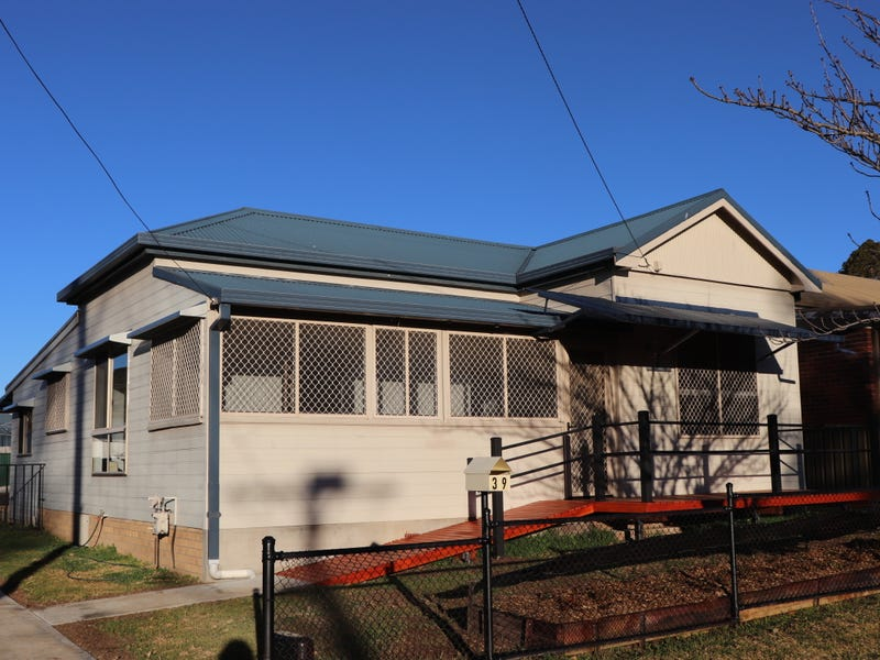 39 Oxford Street, Glen Innes, NSW 2370