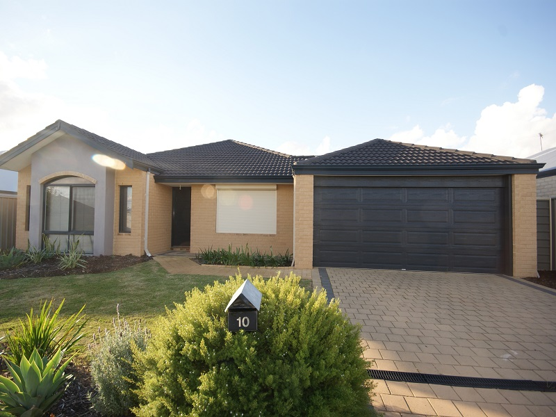 10 Chertsey Way, Wellard