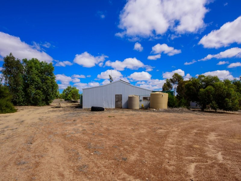 230 Ahern Place, Howatharra, WA 6532