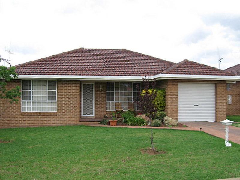 1/9 Ken Payne Place, Parkes, NSW 2870