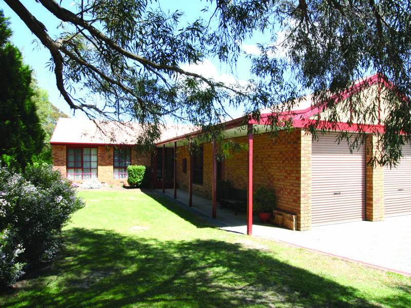 6 Samuel Court, Woodend, Vic 3442