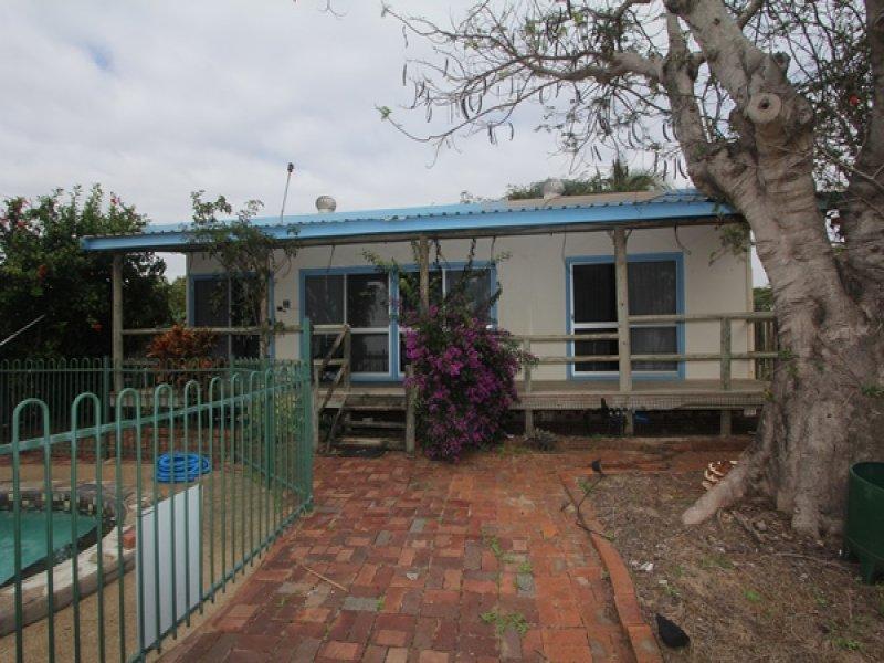 77 Cay St, Saunders Beach, Qld 4818