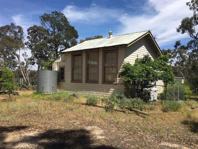"""5 Mile Tree"" School, Binda, NSW 2583"