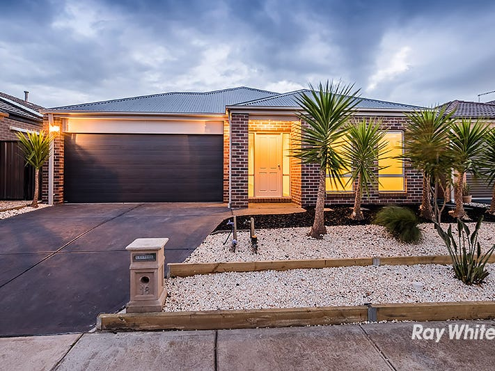 18 San Fratello Street, Clyde North, Vic 3978