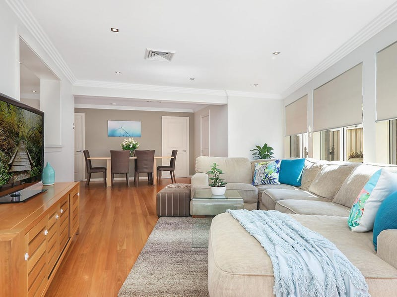 12 Drummoyne Crescent, St Johns Park, NSW 2176