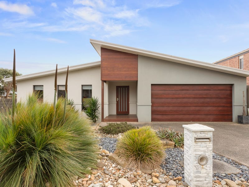44 Norman Drive, Cowes, Vic 3922