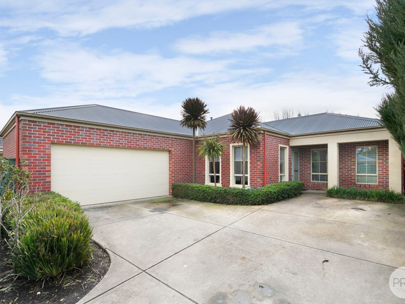 24 St Andrews Place, Lake Gardens, Vic 3355