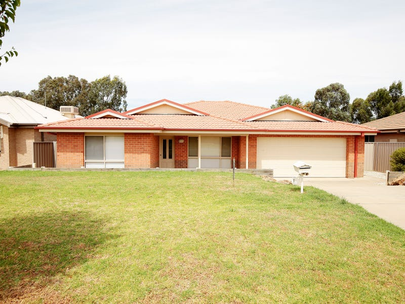 15 Barrima Drive, Glenfield Park, NSW 2650