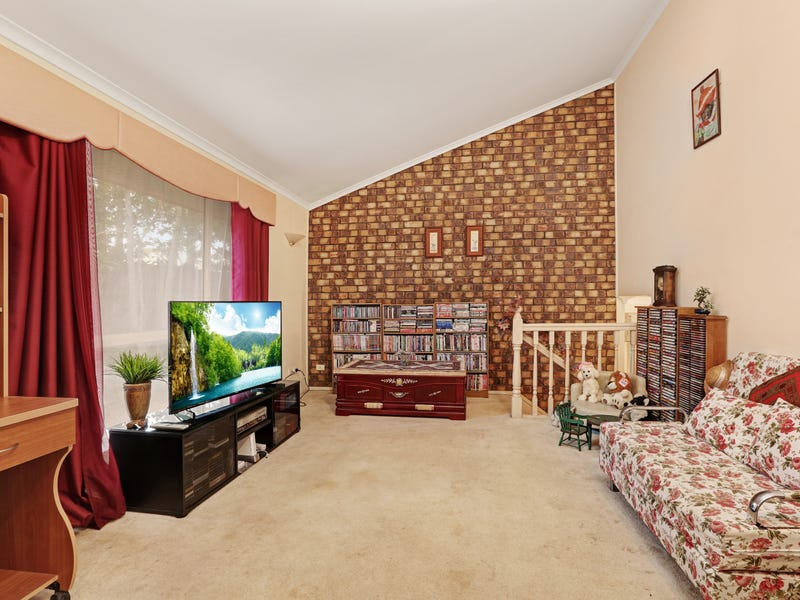 38 Cowra Street, Tanah Merah, Qld 4128