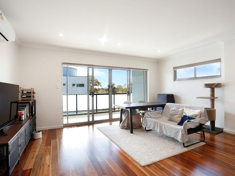 Apartment 306/17 Maclaurin Avenue, East Hills, NSW 2213