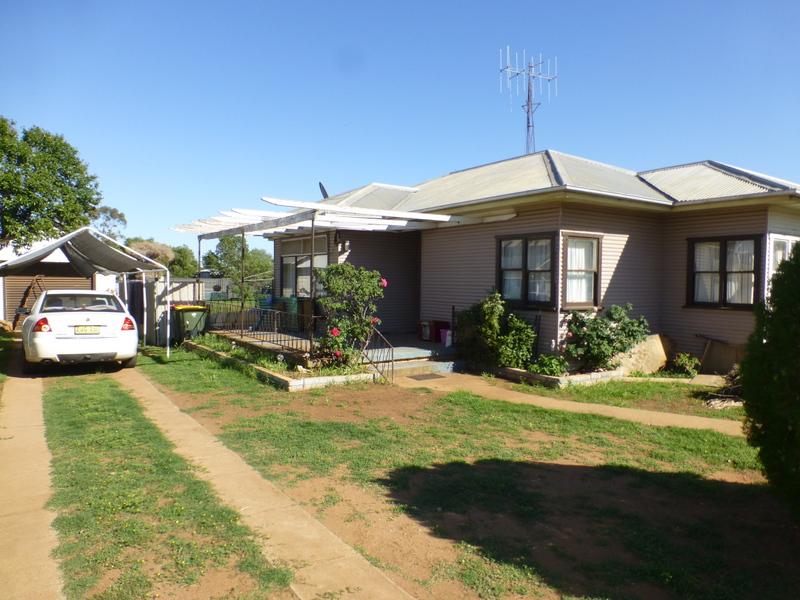 24 Kitchener Street, Tullamore, NSW 2874