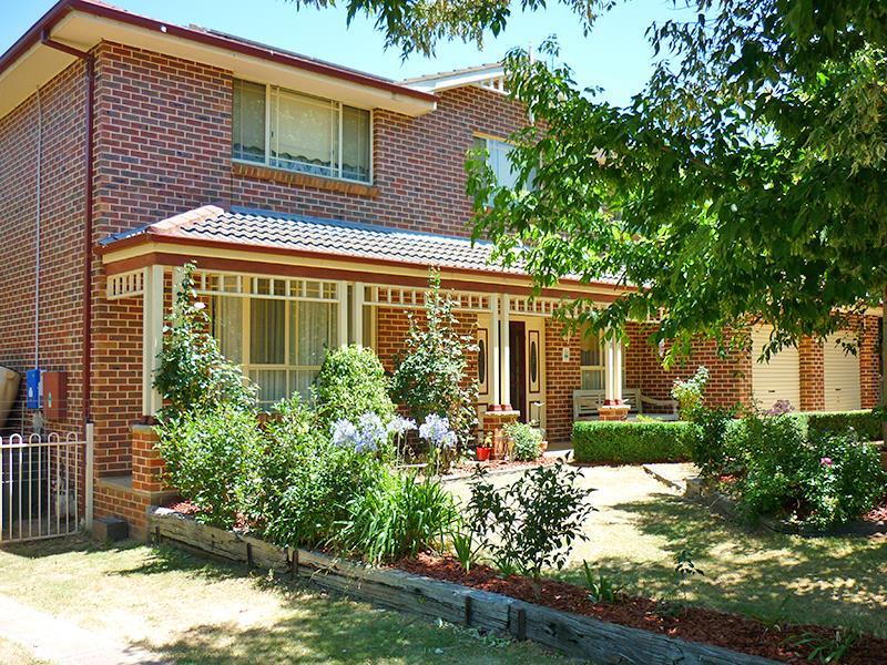 27 Polona St, Blayney, NSW 2799
