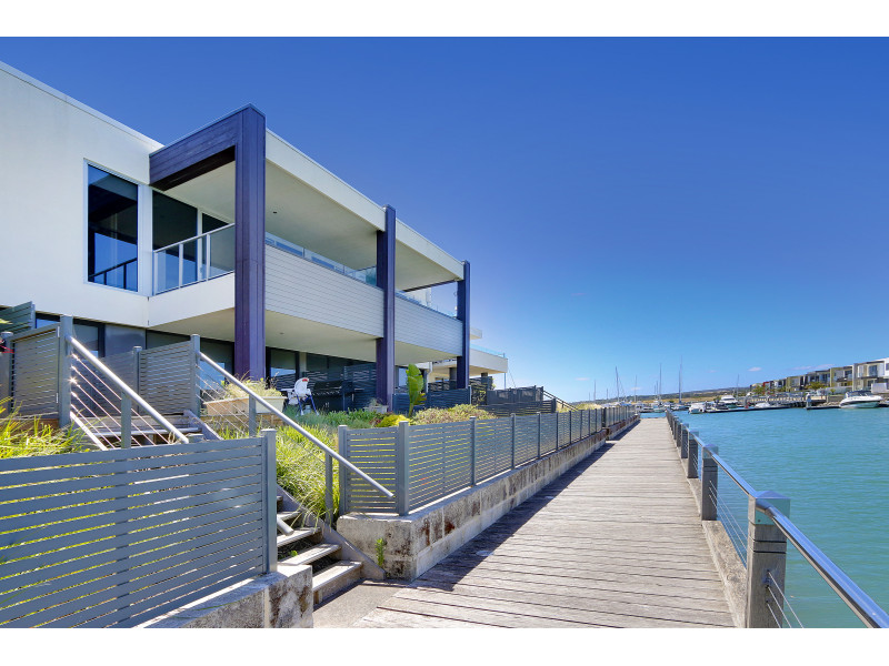 B204/83 Spinnaker Tce, Safety Beach, Vic 3936