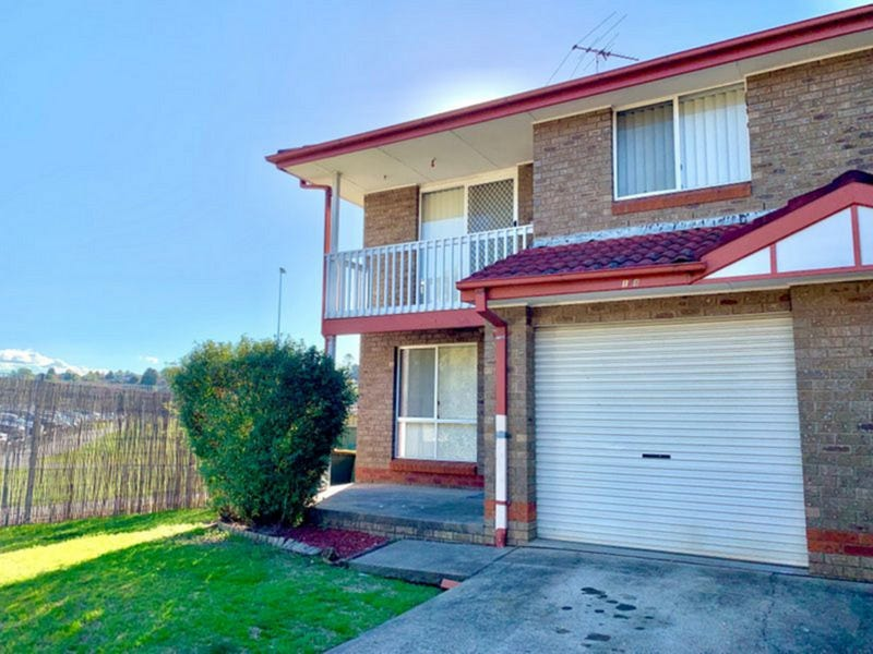 1/8 Wickfield Circuit, Ambarvale, NSW 2560