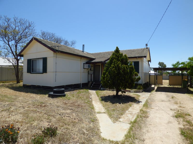 74 Caw St, Merredin, WA 6415
