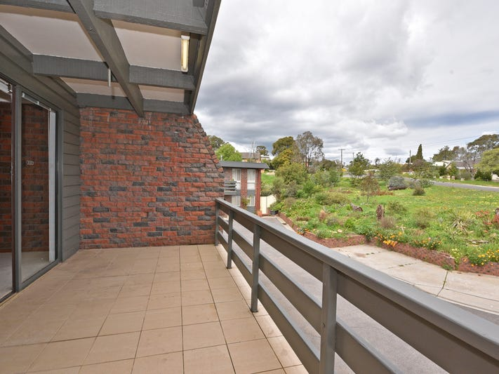 2/3 Towers Street, Flora Hill, Vic 3550