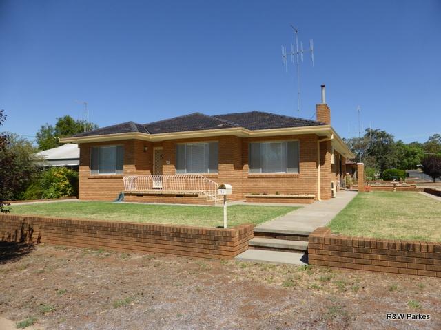 15 Carrington Street, Parkes, NSW 2870