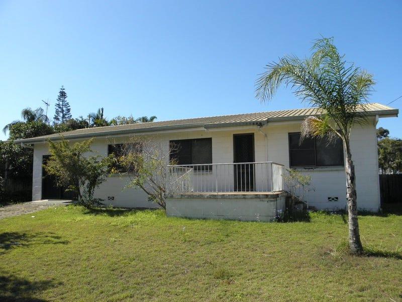 6 Poinciana Court, Moore Park Beach, Qld 4670