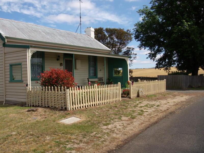 4 New Street, Ross, Tas 7290