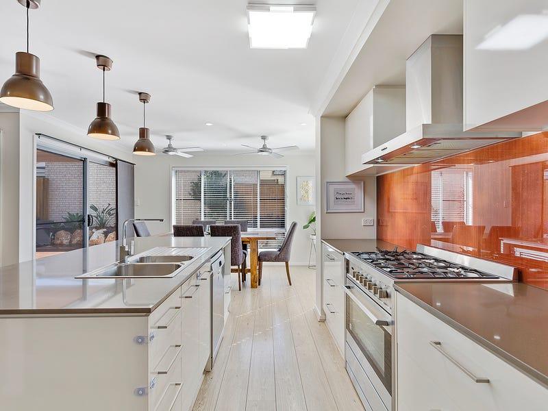 19 Wollombi Avenue, Ormeau Hills, Qld 4208