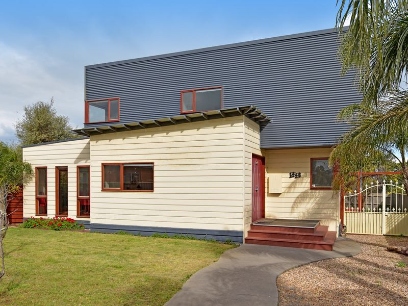 3 Calk Terrace, St Leonards, Vic 3223