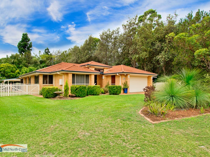 30 Lakeside Way, Lake Cathie, NSW 2445