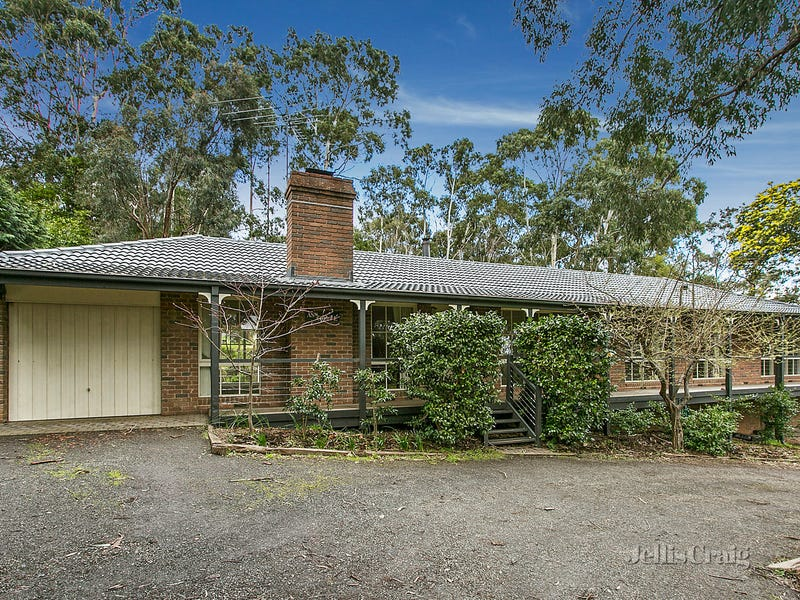 28 Mabel Crescent, Mount Macedon, Vic 3441