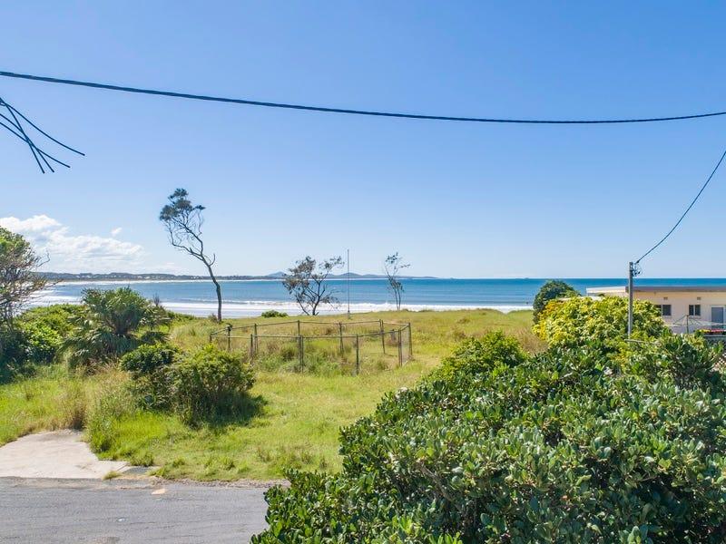 17 First Avenue, Arrawarra Headland, NSW 2456