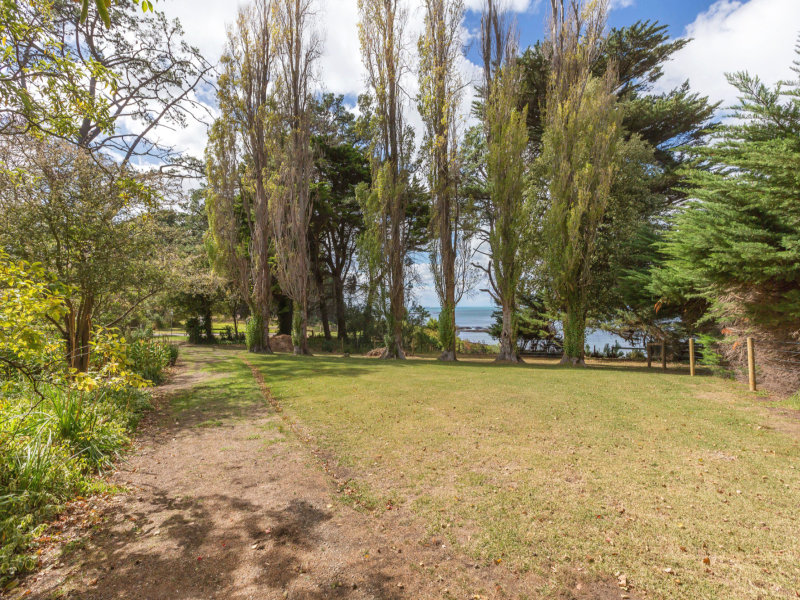 18 Beach Road, Shoreham, Vic 3916