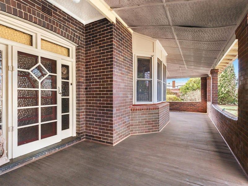 11 Biala Street, Gunning, NSW 2581