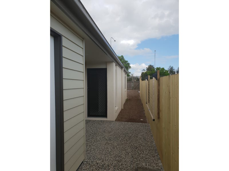 2/12 Cahill Crs, Collingwood Park, Qld 4301