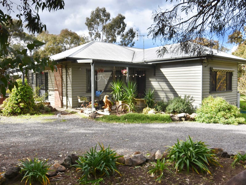 40 Fairview Road, Clunes, Vic 3370