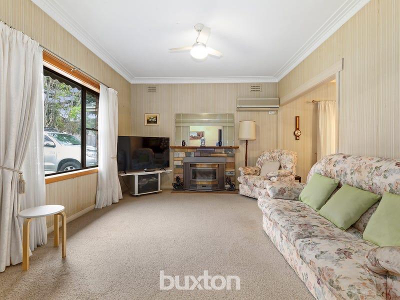 8 George Street, Bentleigh East, Vic 3165