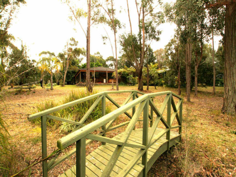 861 Sussex Inlet Road, Sussex Inlet, NSW 2540